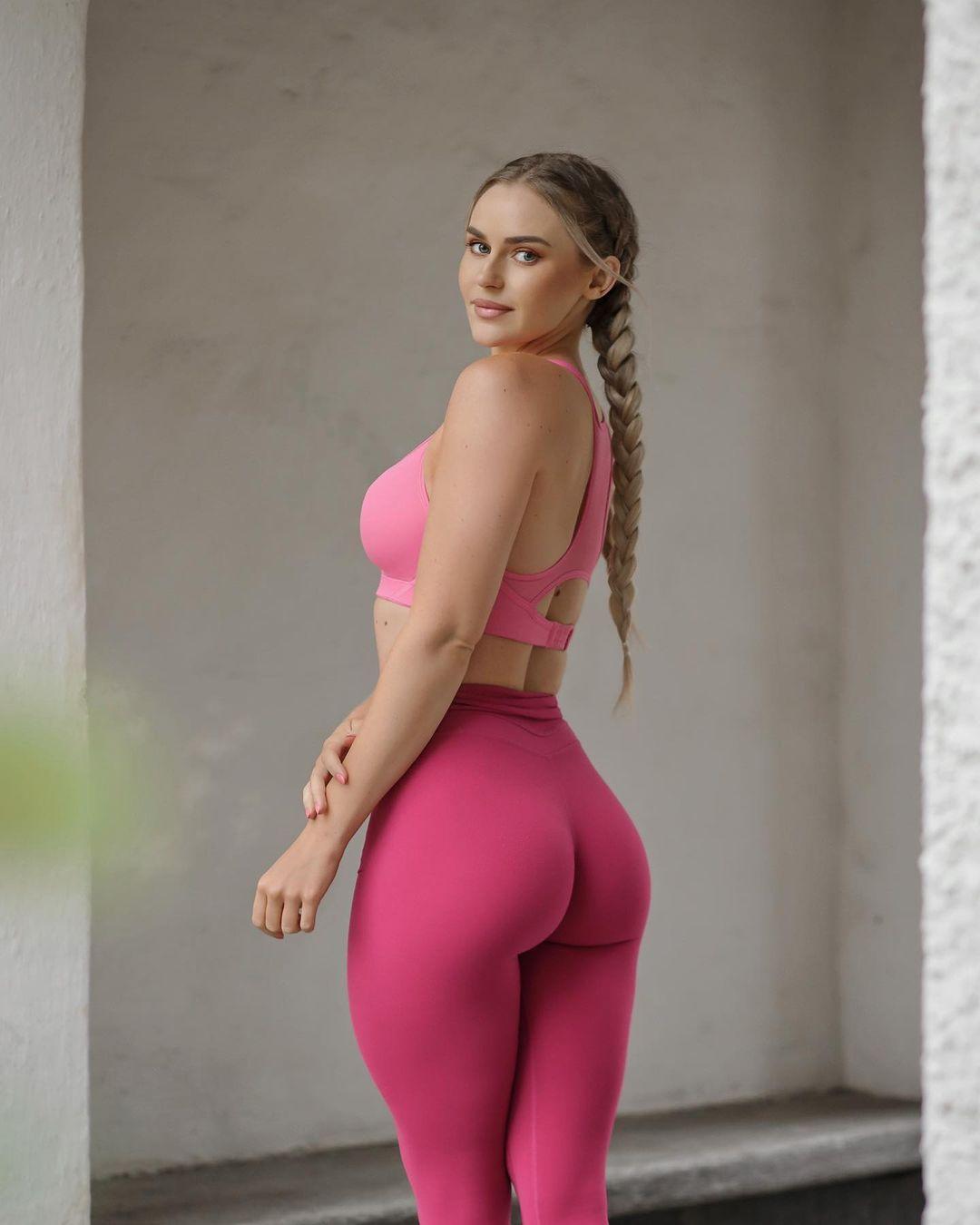 Anna Nyström fitness model